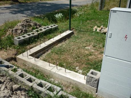 Základy na plot